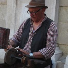 Un mestiere tra le calli: gli arrotini a Venezia